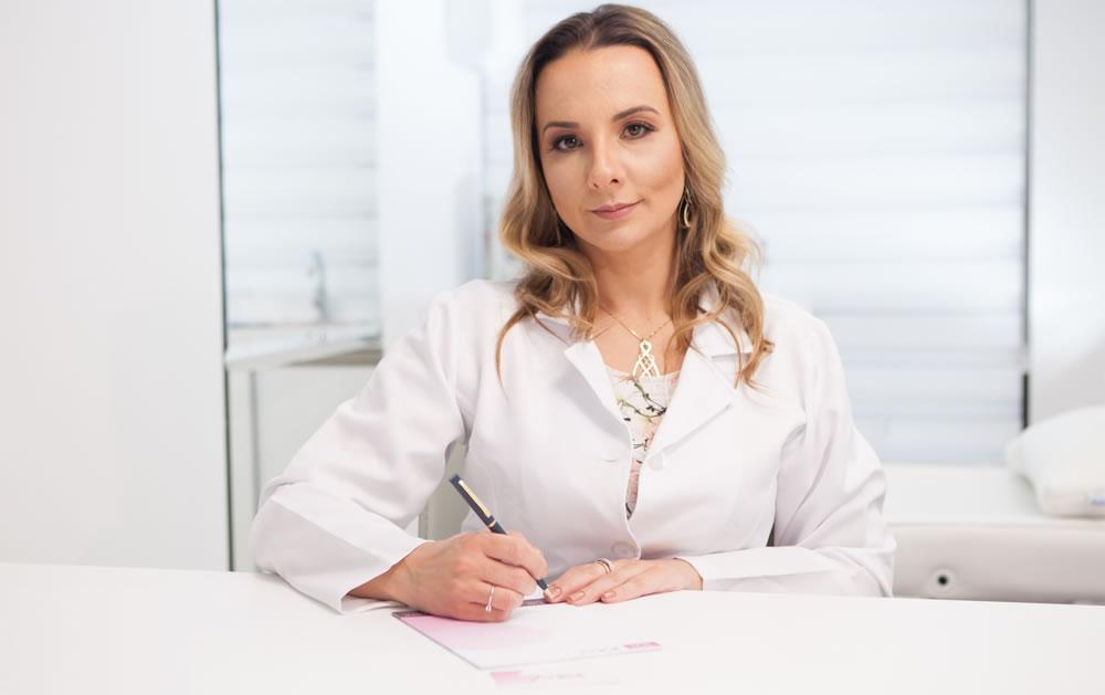Dra. Caroline Scoz Alves